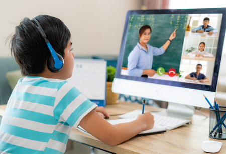 How Technology Can Engage Students in Distance Learning