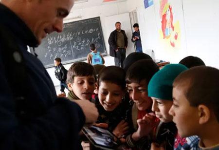 Educating Students on Digital Literacy for Job Seeking